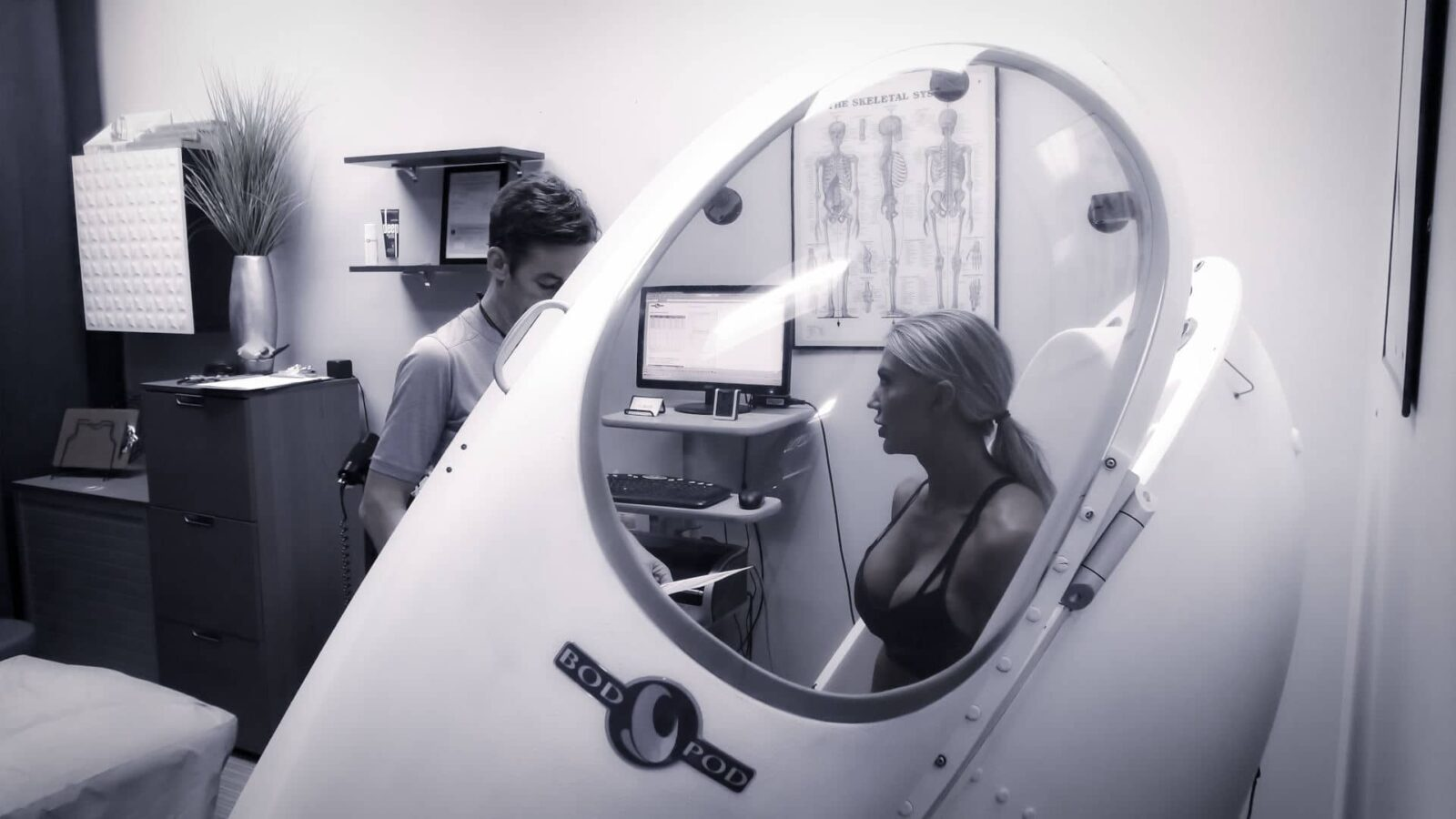 Weight loss client in BOD POD test